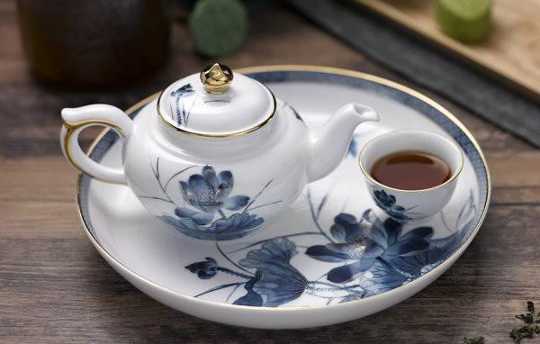 Bộ trà Sen Vàng 0.35L Bắt Chỉ Vàng