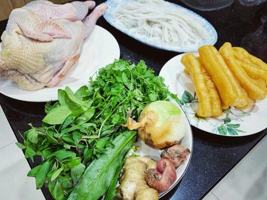 Cách nấu phở gà miền Nam ngon hơn hàng quán